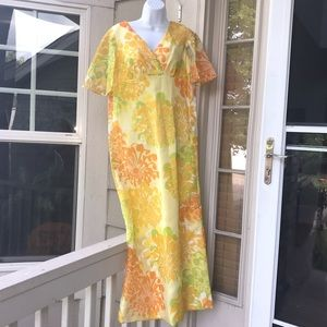 8  floral Yellow Alfred Shaheen 60's  70's Gown
